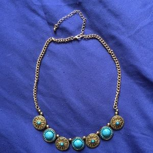NWOT Turquoise and gold costume necklace